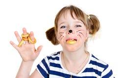 小老鼠女孩用面包 免版税库存照片