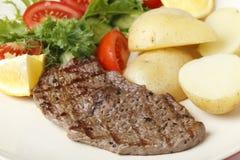 小肉排膳食 库存图片