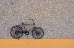 黑小自行车 图库摄影