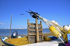 小船、钓鱼钩和浮体 免版税库存照片
