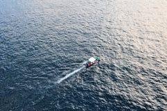 小船五颜六色的海运 免版税库存图片