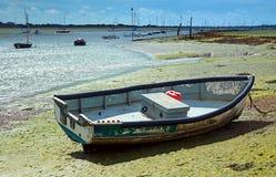 小船低小的浪潮 库存图片
