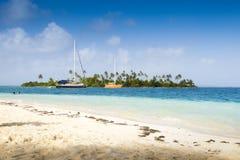 小船停住在加勒比海 库存照片