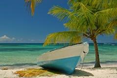 小船停止, Saona加勒比岛共和国圣多明哥 免版税库存图片