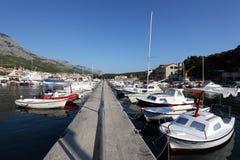 小船克罗地亚捕鱼城镇 库存图片