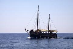小船克罗地亚杜布罗夫尼克市游览 库存照片
