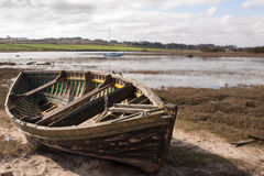 小船出海口老划船 免版税库存照片