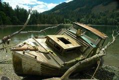 小船击毁 库存图片