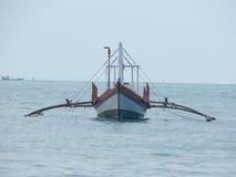 小船到海里在亚洲 图库摄影