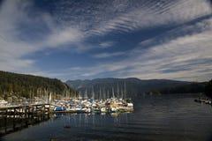 小船加拿大小海湾深码头 免版税库存照片