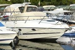 小船包括港口 免版税库存图片