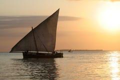 小船单桅三角帆船 库存照片