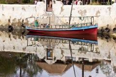 小船反射 免版税库存图片