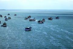 小船和海 免版税库存图片