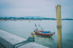 小船和渔工具 免版税库存照片