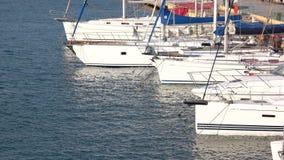 小船和游艇在旧港口 影视素材