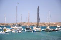 小船和游艇在钓鱼海港在特内里费岛的Las Galletas 库存图片
