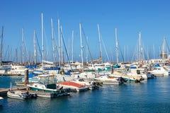 小船和游艇在Rubicon小游艇船坞,兰萨罗特岛,加那利群岛,西班牙 库存照片