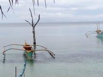 小船和水 免版税图库摄影