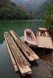 小船喜欢通过 图库摄影