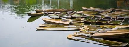小船在中国的南部的水中 免版税库存照片