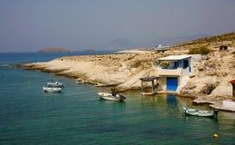 小船在传统美丽的渔村 免版税库存图片