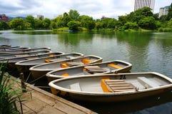 小船在公园 免版税库存图片