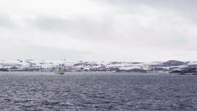 小船在冬天期间在挪威 股票录像
