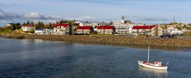 小船在博尔加内斯冰岛 免版税库存图片