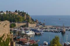 小船在口岸的Antalia地中海 免版税库存照片