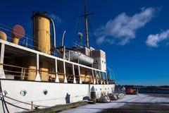 小船在哈利法克斯港口 免版税图库摄影