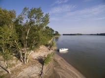 小船在多瑙河 库存照片