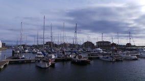 小船在小游艇船坞哈特尔浦 库存照片