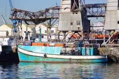 小船在开普敦港口  免版税库存照片
