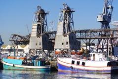 小船在开普敦港口  免版税图库摄影