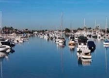 小船在新港海滨港口加利福尼亚 图库摄影