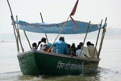 小船在河甘加 免版税库存照片
