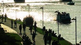 小船在河通过在法兰克福 影视素材