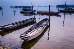 小船在河 免版税库存照片