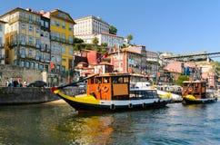 小船在波尔图,葡萄牙 库存照片