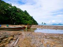 小船在泰国海岛 库存图片