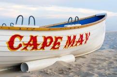 小船在海滩停放了在开普梅 免版税库存照片