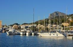 小船在港口,Javea,西班牙 免版税库存照片