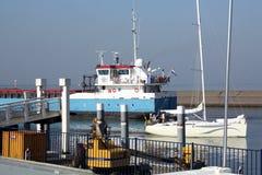 小船在港口 免版税图库摄影