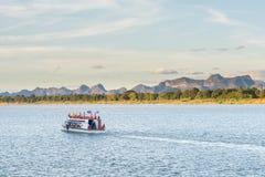小船在湄公河对老挝人的Nakhonphanom泰国 图库摄影