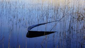 小船在湖 免版税库存照片