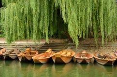 小船在老镇Tuebingen,德国 库存照片