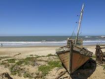 小船在蓬塔del蝙蝠鱼,乌拉圭 免版税库存照片