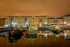 小船在西部印度奎伊在伦敦港区 免版税库存图片