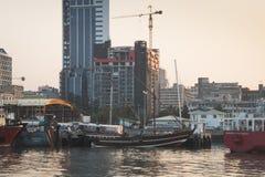 小船在马普托港口  库存照片